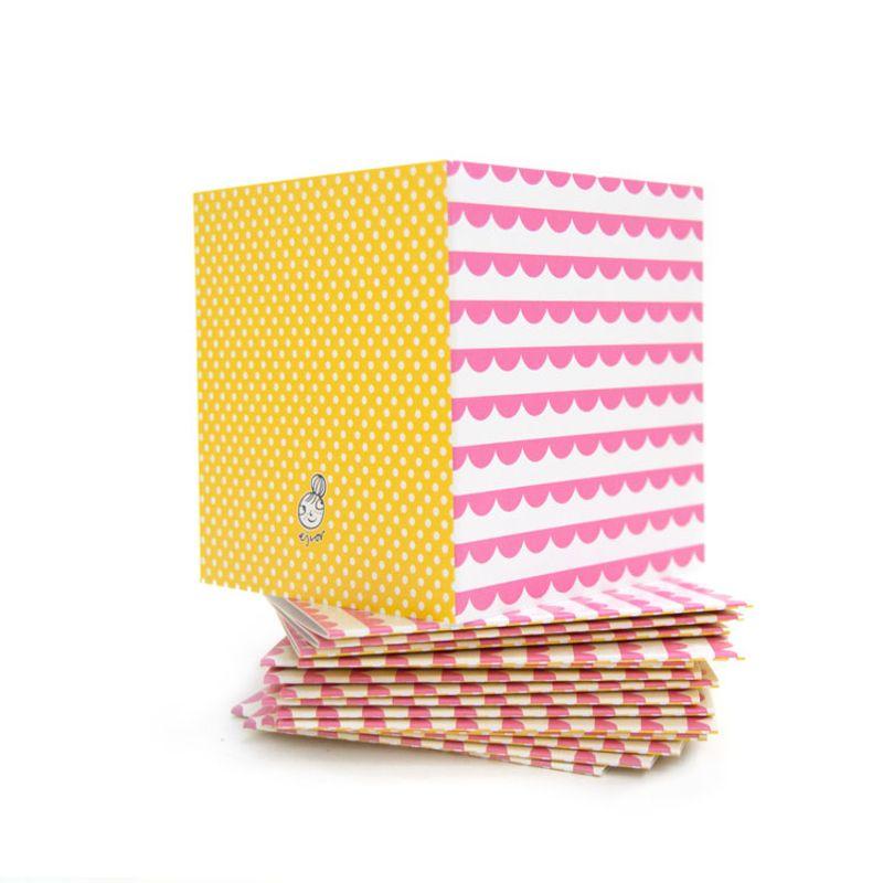 Mönsterkort litet rosa volang