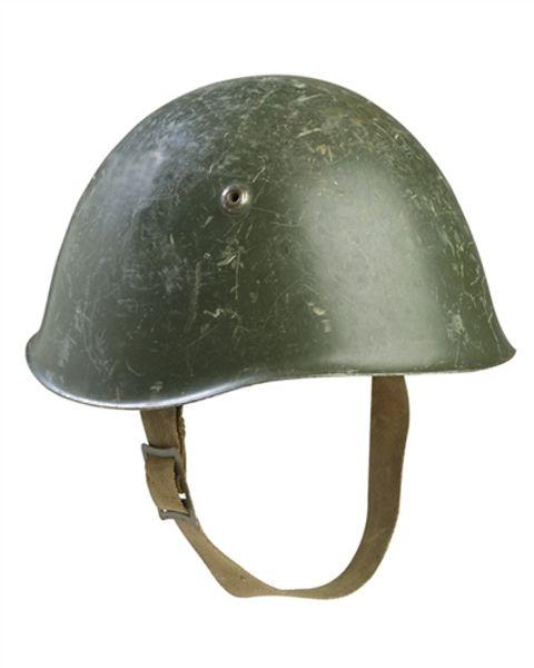 Italiensk M33 hjälm