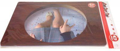 6st Bordstabletter - Vad händer under bordet?