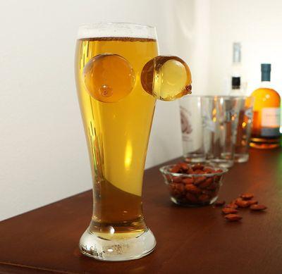 Ölglas med Tuttar